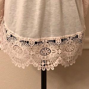 Tops - Beautiful tunic style top NWOT